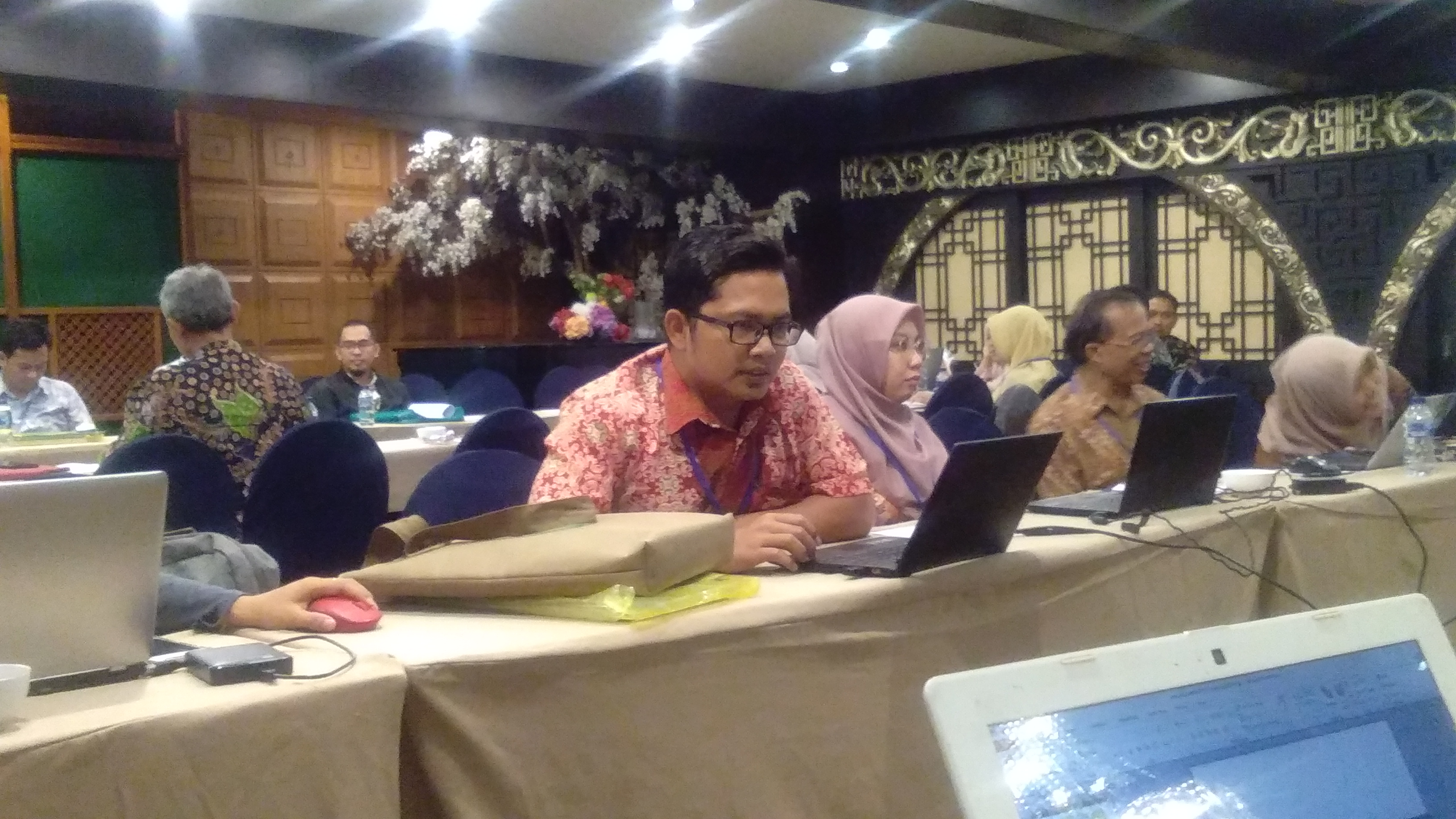 Dosen STKIP PGRI Ponorogo Kenalkan Cerita Rakyat Ponorogo kepada PT Se-Indonesia