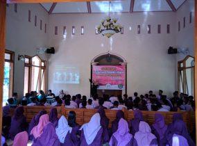 Cegah Pergaulan Bebas, Mahasiswa KKN STKIP PGRI Ponorogo Gelar Edukasi KESPRO