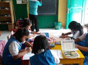 Kelompok 5 KKNT STKIP PGRI Ponorogo Selenggarakan Pelatihan Menggambar dan Mewarnai