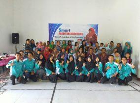Seminar Smart Parenting Desa Klepu bersama KKNT STKIP PGRI Ponorogo