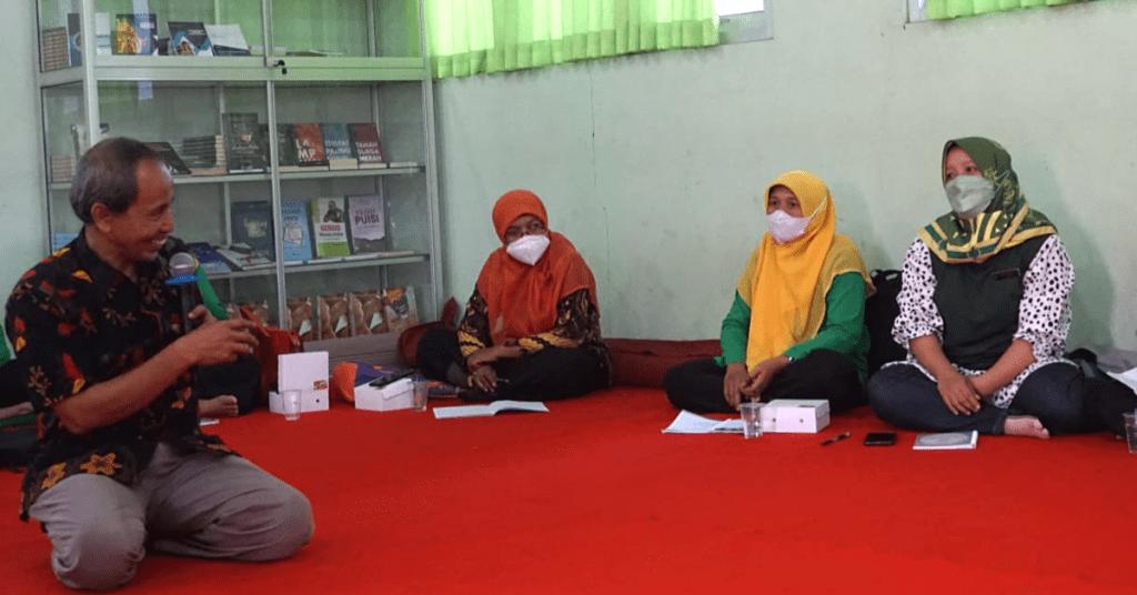 Belajar Menulis Dan Mendongeng Untuk Anak